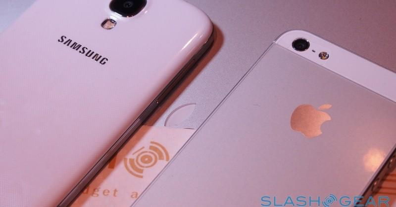 iPhone 5s beats Galaxy S4 as duo dominates worldwide sales