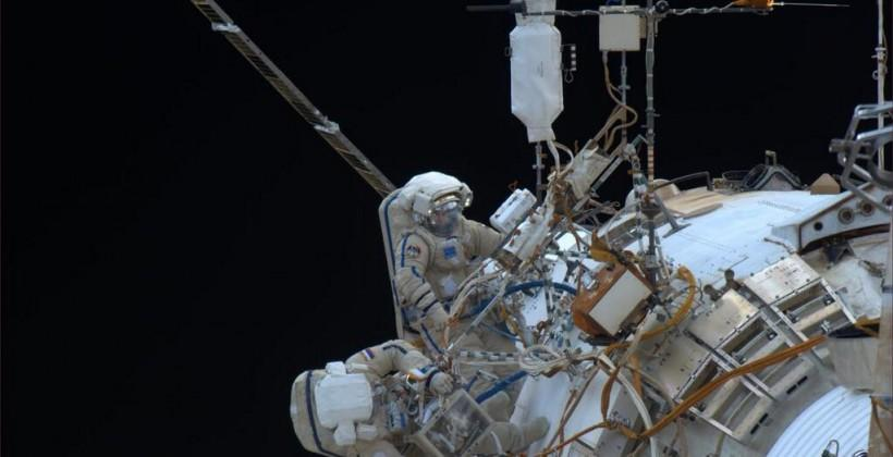 Cosmonauts break a spacewalk record, but HD camera telemetry fails