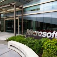 Former Microsoft exec charged with insider trading