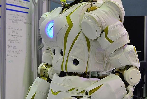 NASA unveils Valkyrie robot for DARPA Robotics Challenge