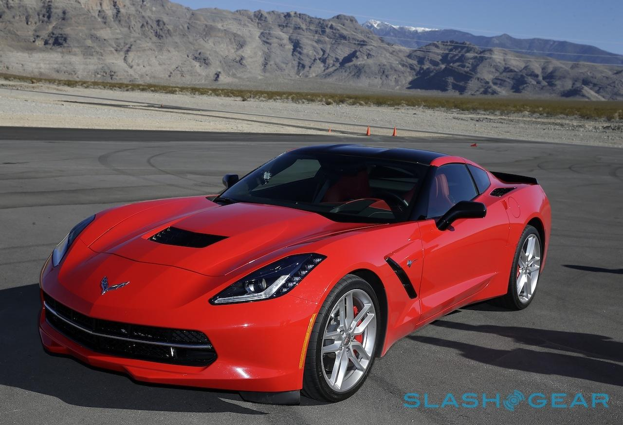 2015_corvette_stingray_coupe_sg_15