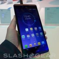 Hisense X1 hands-on with a 6.8-inch smartphone