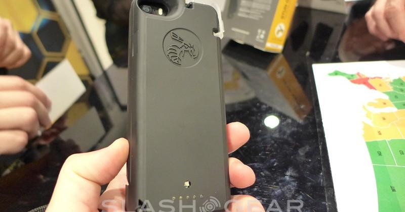 Yellow Jacket iPhone 5/5S stun gun case hands-on
