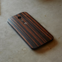 Moto X wood casings expand with new Walnut, Teak, Ebony, and price point