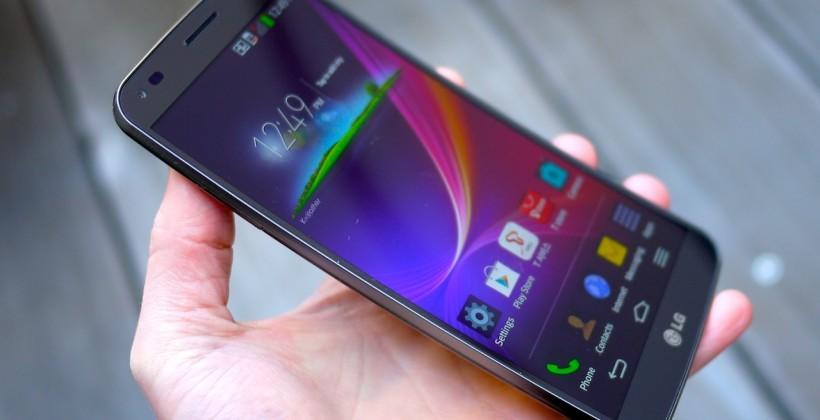 LG G Flex due for triple carrier US launch this quarter