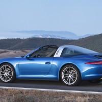 Porsche 911 Targa revealed with trick retro roof