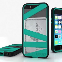Loop Attachment Straightjacket case gives Mummy iPhone a boost