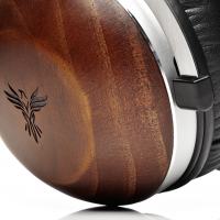 Feenix Aria creators bash all legacy gaming headphones