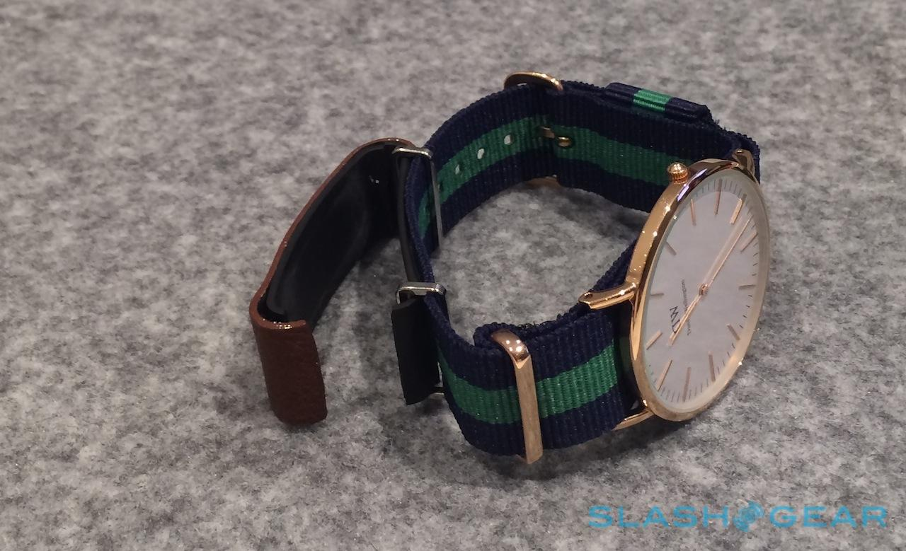 sony_smartband_swr10_camera_concept_hands-on_sg_3