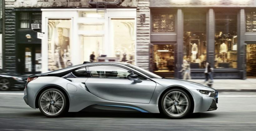 BMW i8 will force fake engine noise and howl at pedestrians