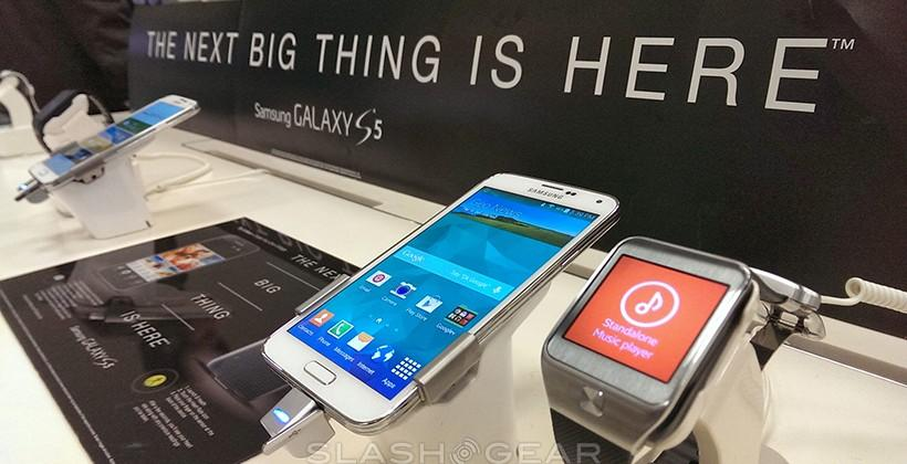 HTC One M8 vs Galaxy S5 in-store battle begins