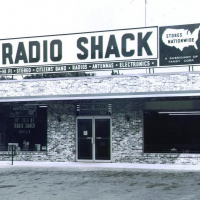 RadioShack closing 1,100 stores at holiday breakdown