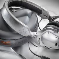 V-Moda XS headphones mind the gap (around your head)