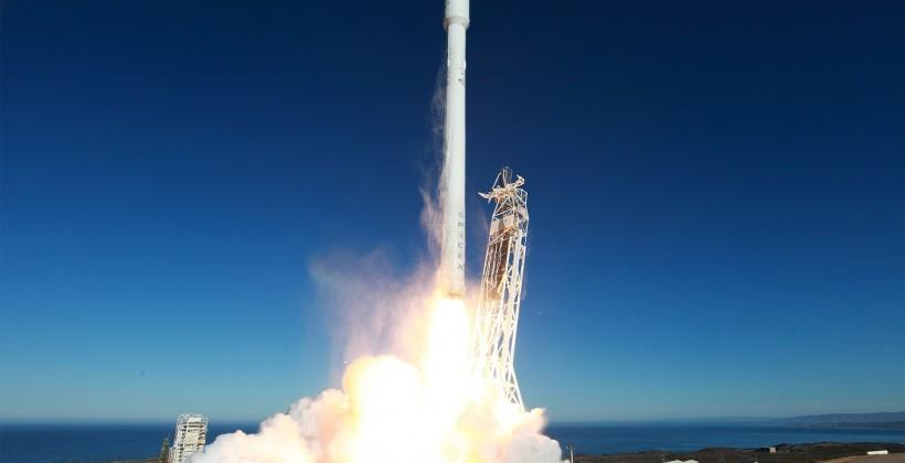 SpaceX takes legal action in bid for gov work