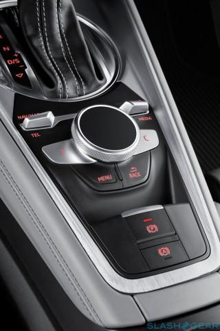 TTS140031-Audi-tt-virtual-cockpit