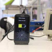 Charger prototype offers 30-second smartphone charging