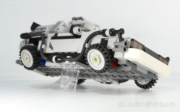 slashgear_lego_bttf_8