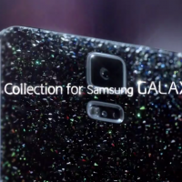 Crystal Galaxy S5: Swarovski backed, not for display