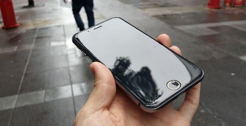 Massive iPhone 6 dummy device gallery show Nexus 4 design cues