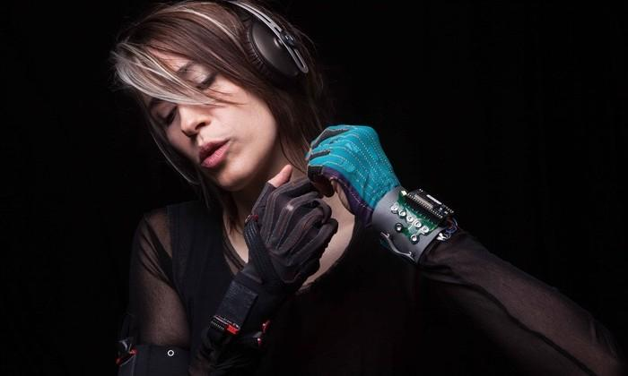 Imogen Heap Mi.Mu gloves create music with gesture