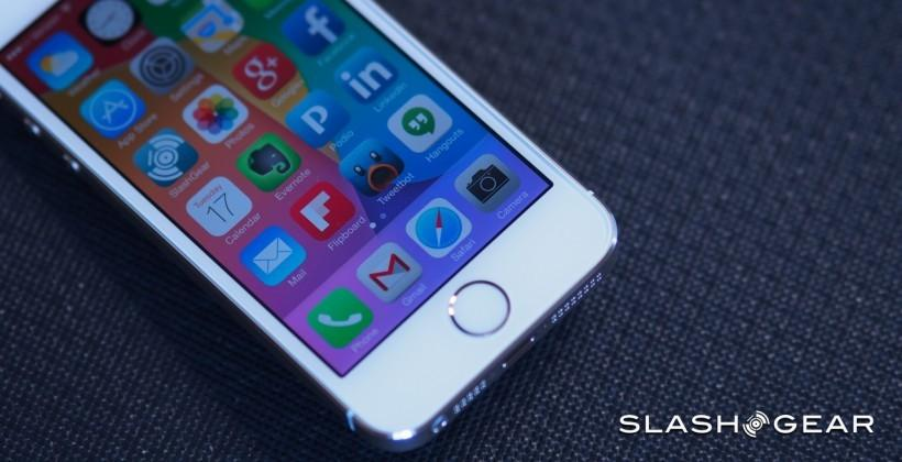 Apple's response to security issue: too late, says hacker