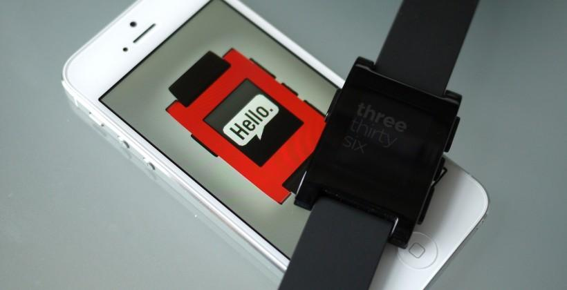 Pebble rolls out firmware, smartphone apps updates