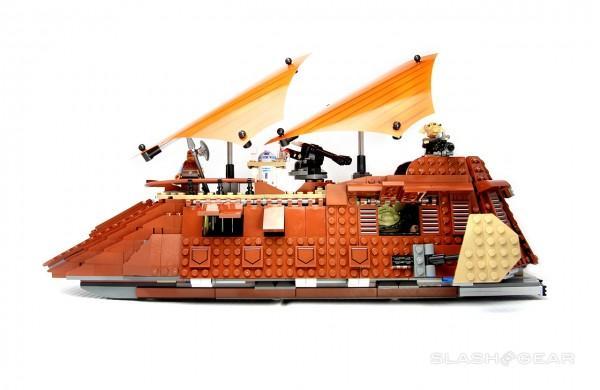 slashgear_lego_jabbassailbarge_0