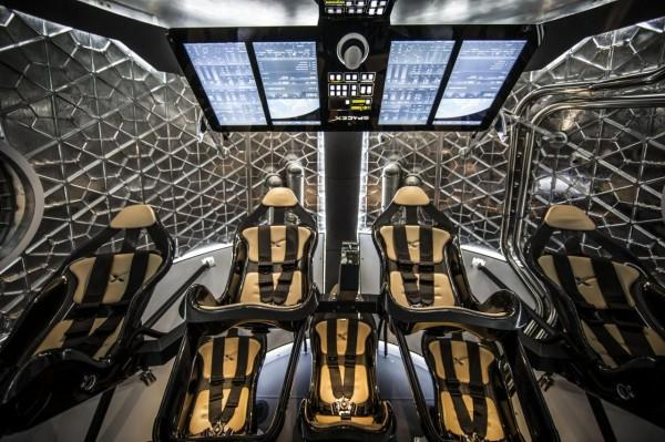spacex-dragon-v2-2