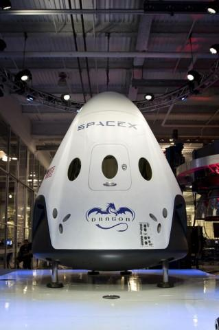spacex-dragon-v2-3