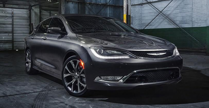 2015 Chrysler 200 shown off in Born Makers ad