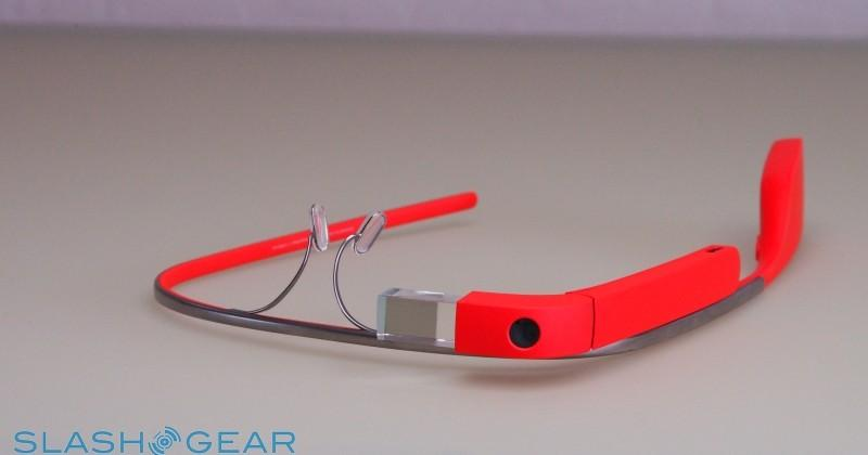 Public unconvinced, Google pushes Glass at Work