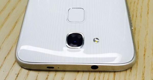Huawei Honor 6 leaked with fingerprint sensor in tow