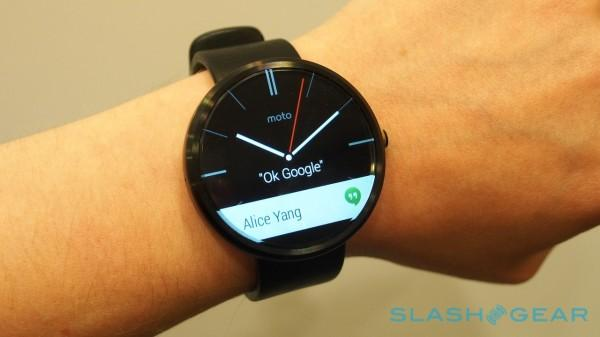 Official Moto 360 video: round watch, not a round screen