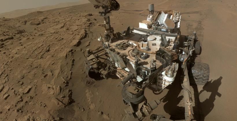 Curiosity rover takes Mars selfie on first birthday