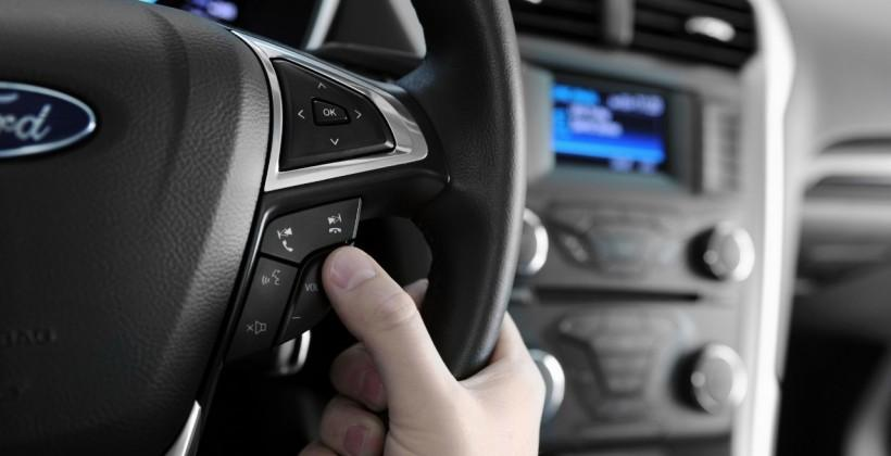 Ford, GM sued over CD-ripping feature
