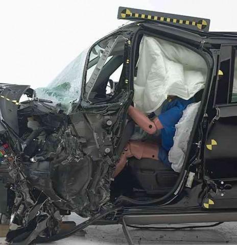 fiat-500l-crash