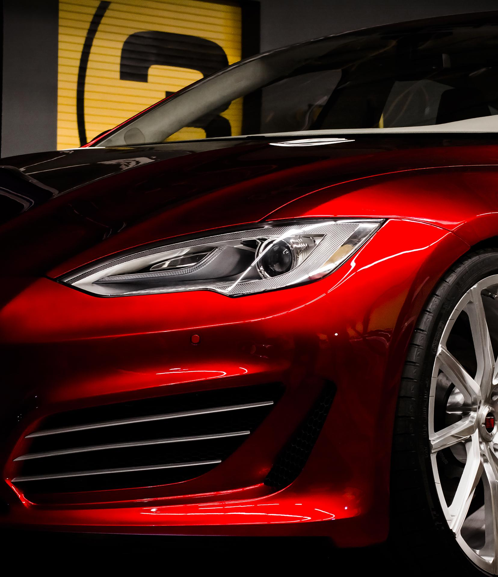 Saleen-Tesla Model S FOURSIXTEEN is an electric monster