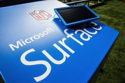Microsoft at NFL 2014: blue Surface Pros, new Windows 8 app