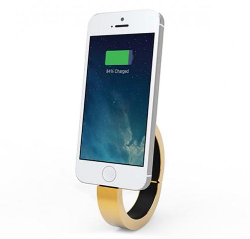 QBracelet Wearable Battery Taps Into Fashion
