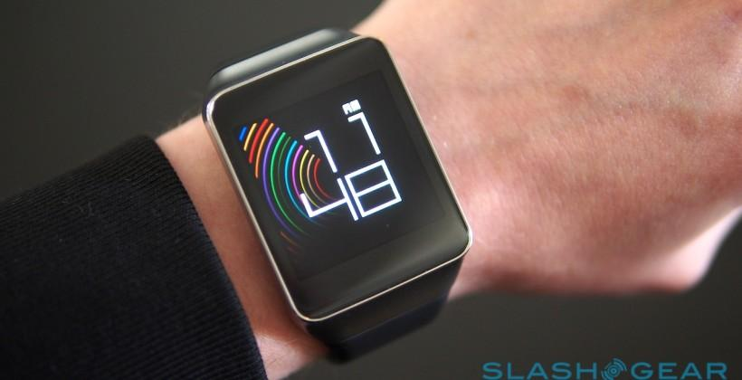 Samsung Gear Solo smartwatch: no phone needed
