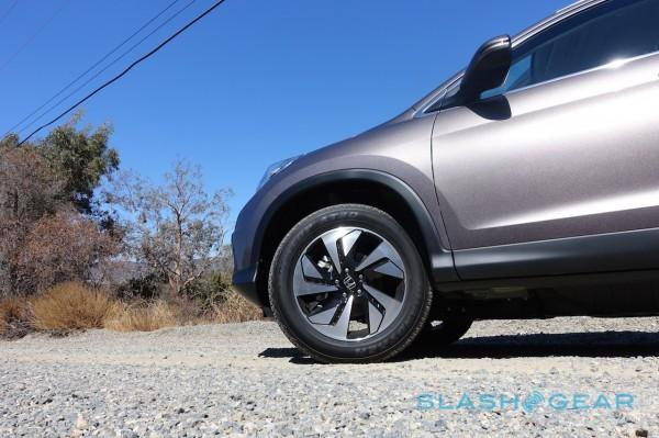 2015 Honda CR-V first-drive: Small SUV, Big Evolution - SlashGear