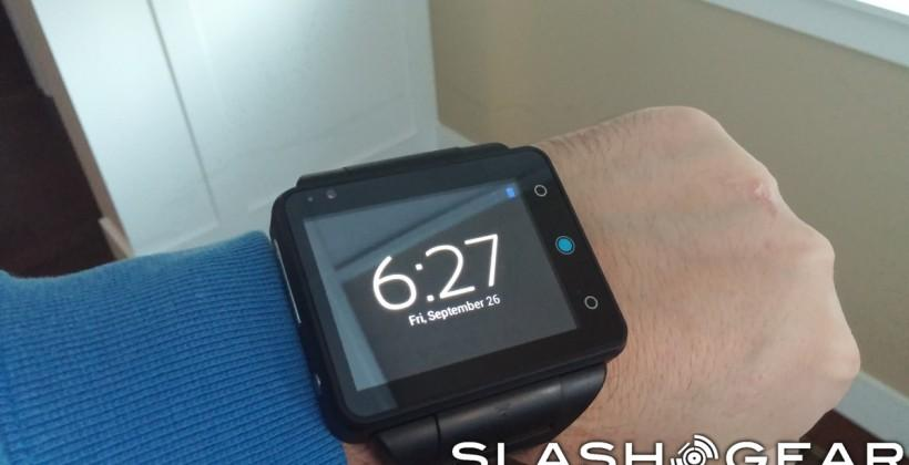 Neptune Pine review: big watch, or half a phone?