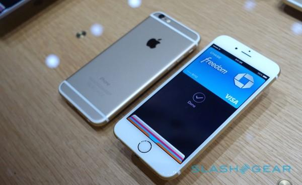 apple-iphone-6-6-plus-hands-on-sg-5