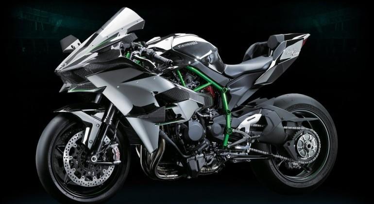 Kawasaki Ninja H2R packs 998cc engine into beastly design