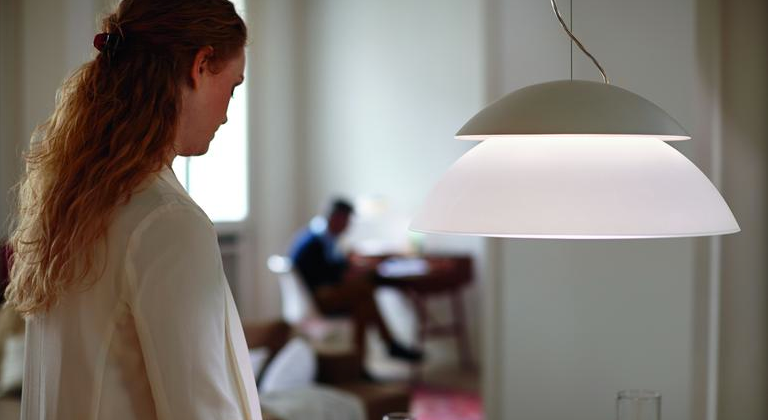 Philips Hue Beyond bakes wireless LEDs into dual-zone lamps