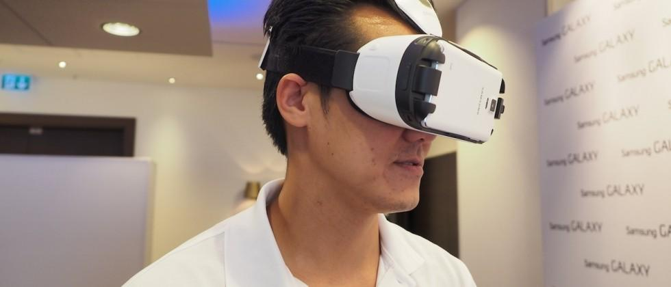 Samsung Gear VR hands-on: Note 4 goes 3D with Oculus