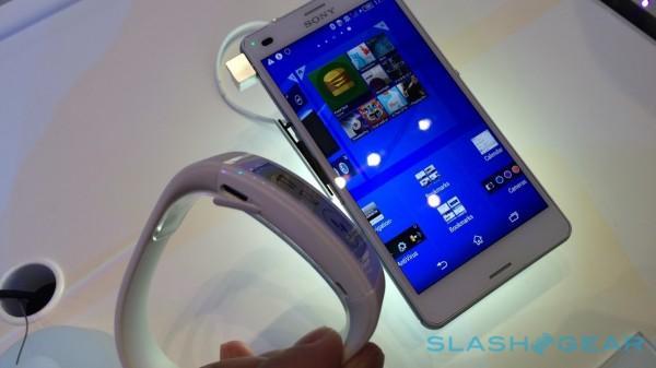 sony-smartband-talk-hands-on-sg-0-600x337