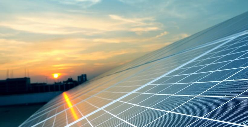 New solar cell is its own battery