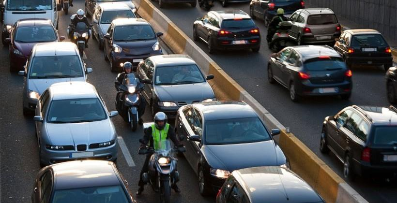 Study says lane splitting is safer and faster for everyone