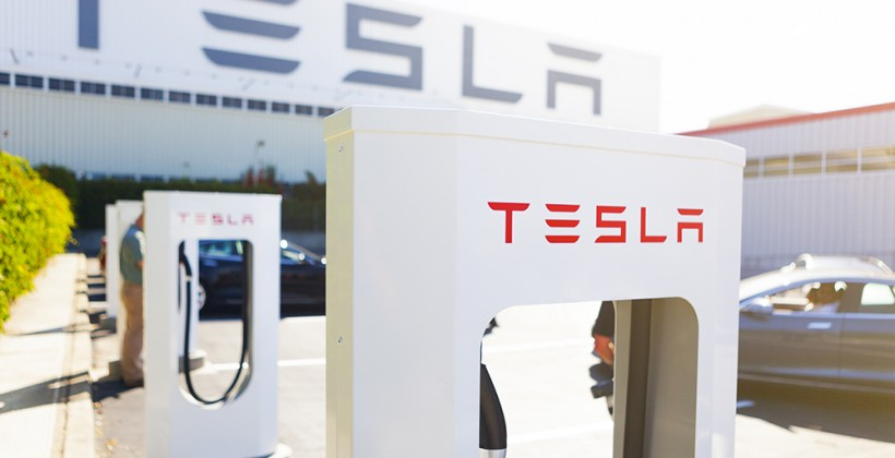 Tesla powers-up its first UK airport Supercharger
